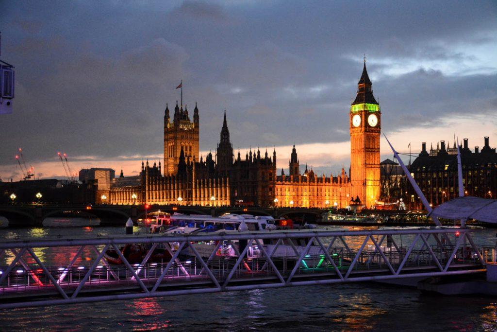 Londra Elizabeth Tower Westmister Bridge sera